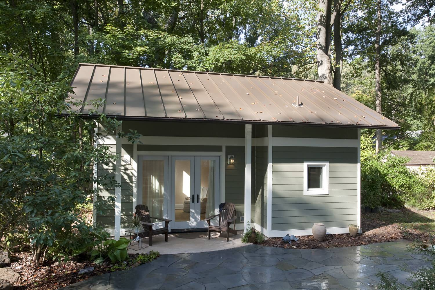 Small is the new big quaint little guest house is cute for Spacious house plans
