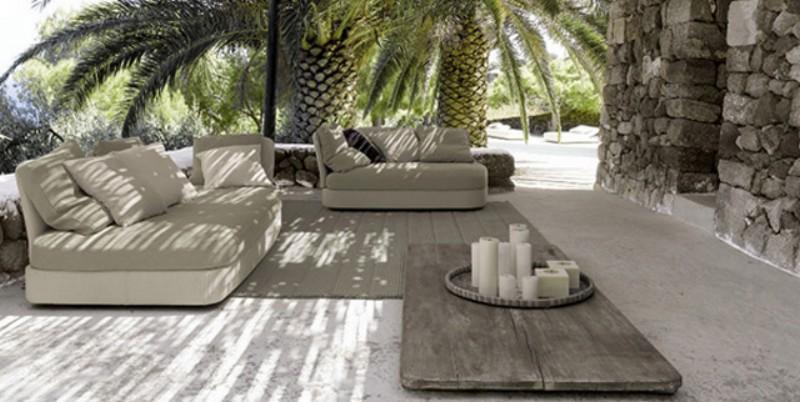 Дизайн внутреннего дворика - засилье серого цвета