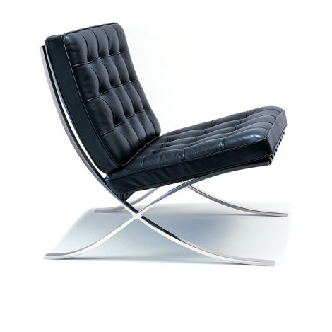 barcelona chair in chrome with black cushion