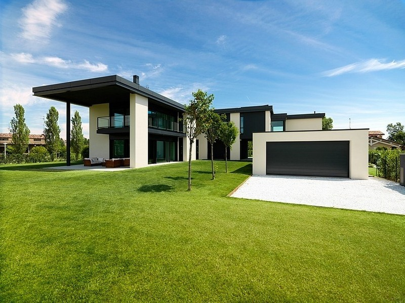 cubist modern home with modern features