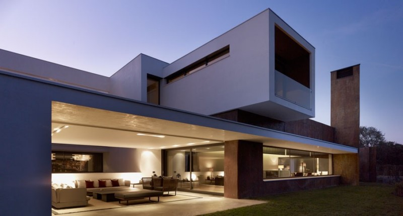 modern house in madrid with pool