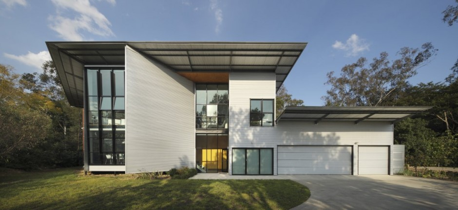 modern house with modern architecture principles