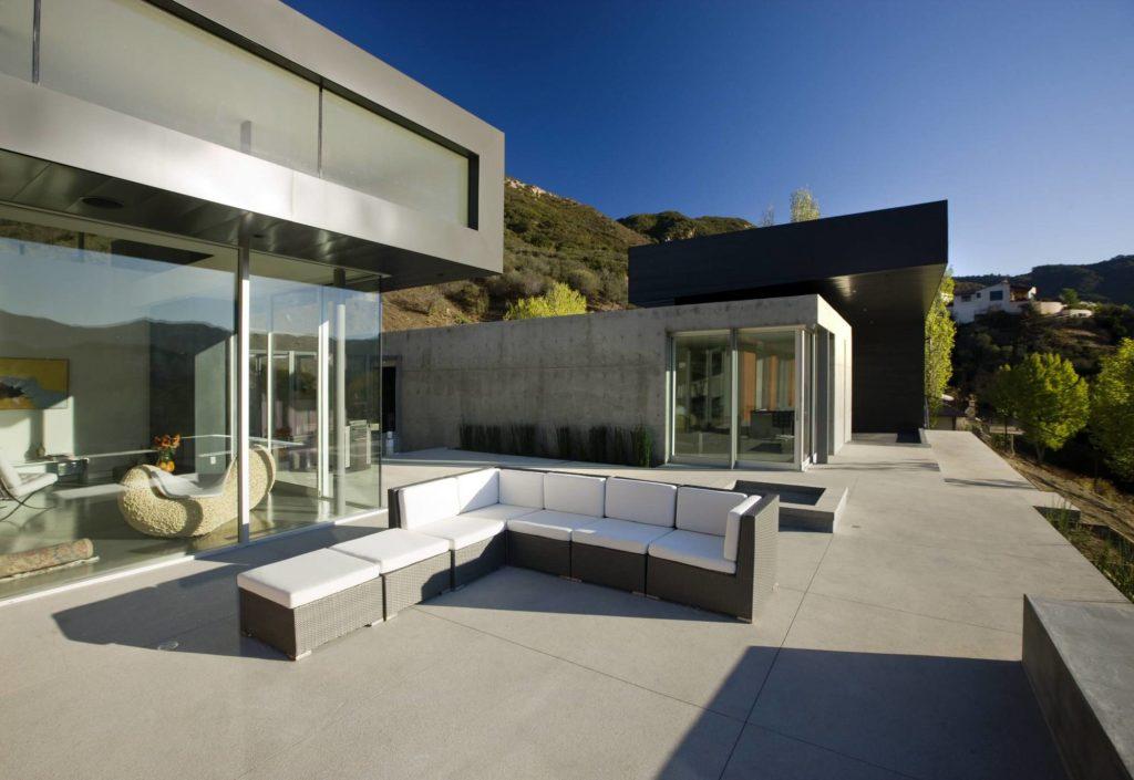 outdoor mountain patio view