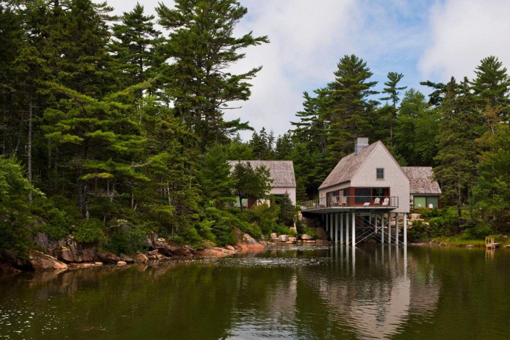 pond house on stilts