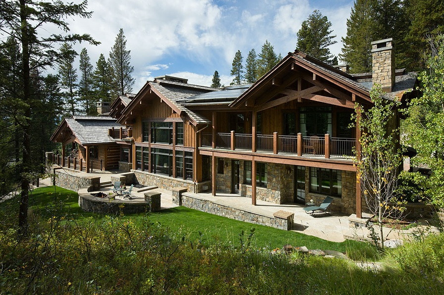 ranch style home in forest