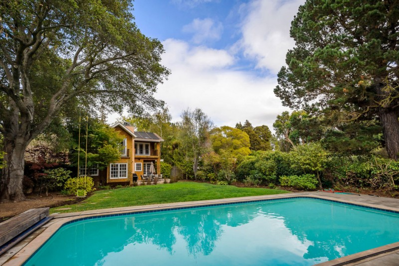 secluded classic house with outdoor pool