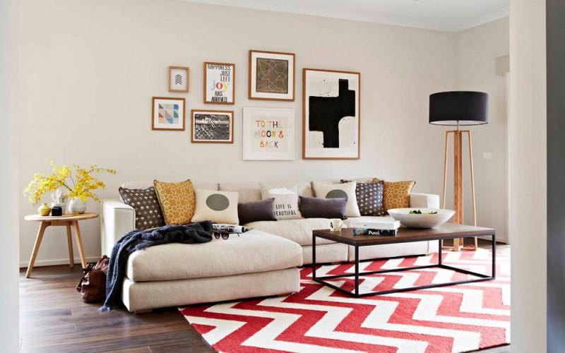 Просторный и светлый интерьер дома для молодой семьи