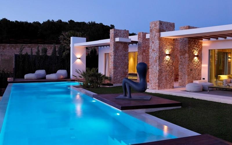 Moderna casa de piedra en el mediterr neo - Casas de madera de lujo en espana ...