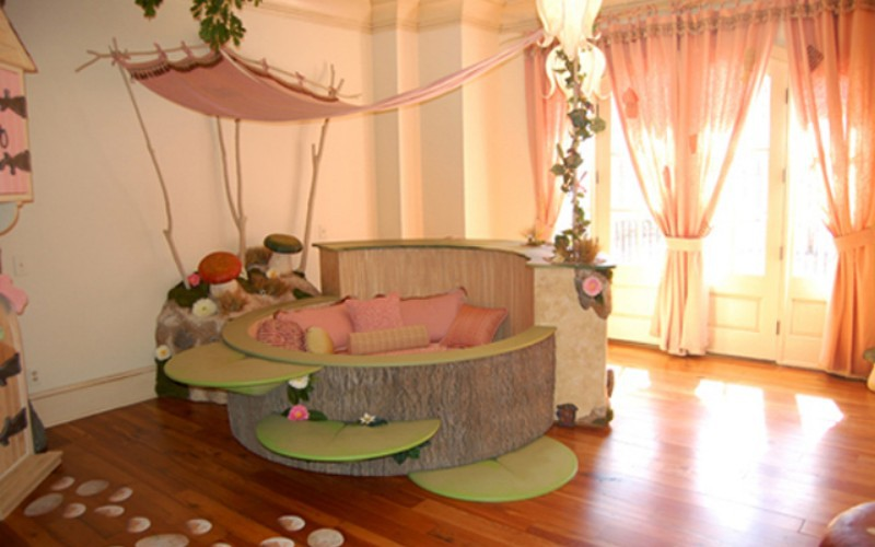 kids bedroom with nature theme