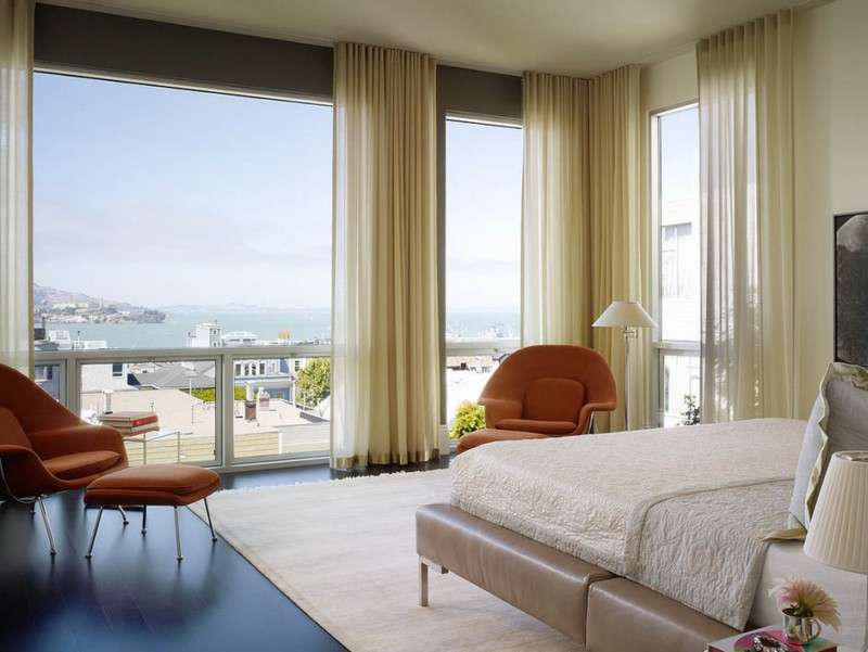 room-with-fantastic-view-of-the-lakesde