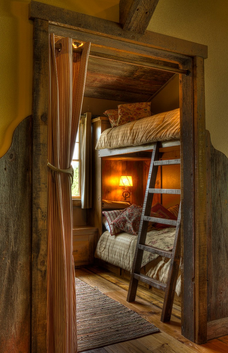 Small rustic style kids room with bunk bed for Cabin bedroom designs